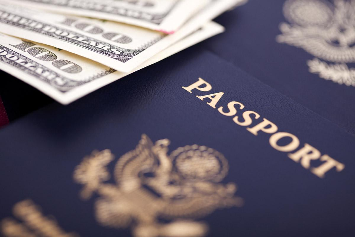 HOW MUCH WOULD AN IMMIGRATION LAWYER COST & FEE PROCESS?